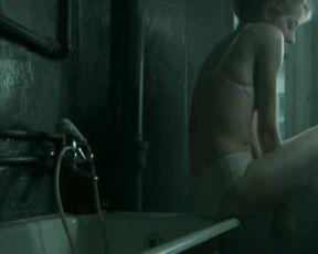 Hot scene Małgorzata Buczkowska Nude - Oda Do Radosci (2005)