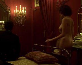 Hot scene Maud Le Guenedal Nude - La Chambre des Officiers (FR 2001)