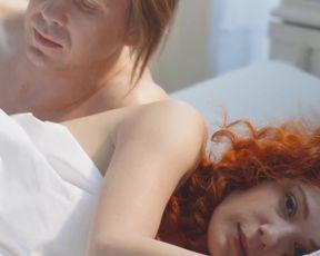 Chulpan_Khamatova nude - Sindrom_Petrushki (2015)
