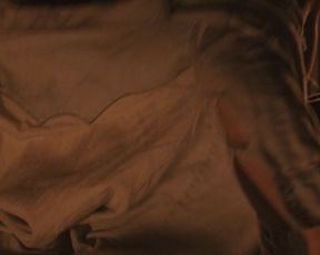 Rachael Leigh Cook nude - Red_Sky (2014)