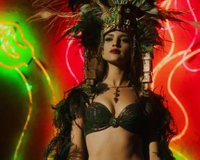 Eiza Gonzalez, Elle LaMont, and other - From Dusk Till Dawn s01e06 (2014) celebs naked