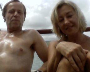 Vanda Hybnerova - Rodinny film (2015) celebs nude scene