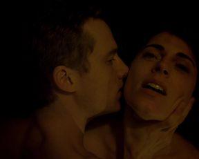 Antje Traue - Der Fall Barschel (2015) celeb topless scenes