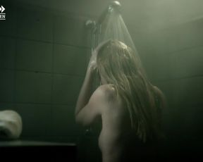 Lisa Maria Potthoff, Mathilde Bundschuh - Morderhus - Der Usedom-Krimi (2014) celeb nude scene