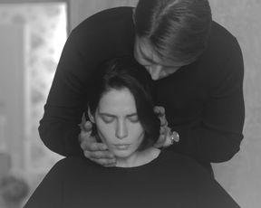 Yulia Snigir - Horoshiy chelovek s01e02 (2020) Russian sexy video