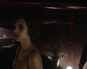 Liv Lisa Fries, Franziska Holitschke, Laura Kiehne - Babylon Berlin  (2017)