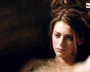 Miriam Leone - La Dama Velata s01e01 (2015) Naked actress in a movie scene
