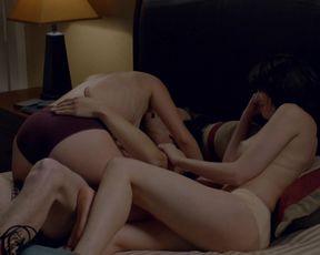 Emily Sandifer, Jennifer Blakeslee - Love s01e01 (2016) film scene