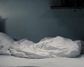 Julia Kijowska - Zjednoczone stany milosci (2016) celebs topless scenes