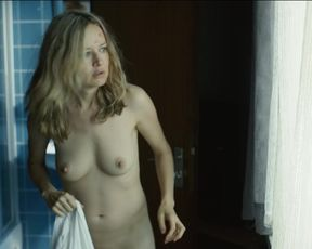 Stefanie Stappenbeck - Der 7. Tag (2017) Naked actress in a hot scene