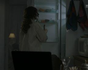 Aleksandra Poplawska - Miasto skarbow s01 (2017) Nude movie scene