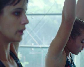 Vittoria Puccini, Benedetta Porcaroli naked - 18 Presents (2020)