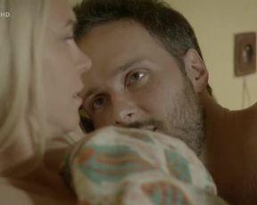 Milena Minichova - Trpaslц╜k s01e05 (2017) Sexy movie scenes