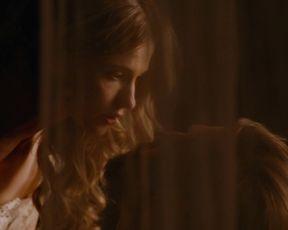 Yuliya Peresild - Geroy (2016) Nude movie scene