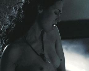 Lena Headey, Kelly Craig nude - 300 (2006)