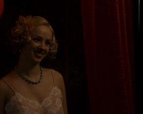 Petra Hrebickova Nude - I Served the King of England (2006)