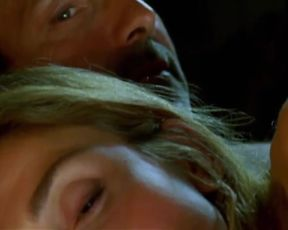 Julie Gayet Nude - Amoreuse (2010)