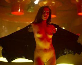 Magdalena Kolesnik naked - Rojst s01e00 (2018)