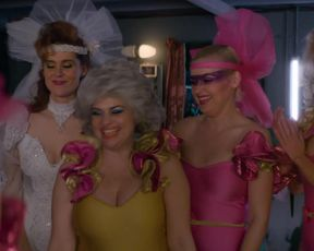 Alison Brie, Kate Nash nude, Hot, Threesome Scene in TV show 'Glow'