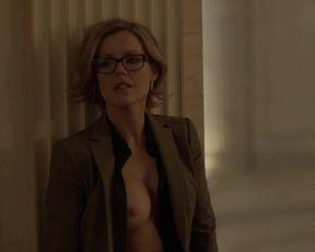 Kathleen Robertson - Boss (2012)