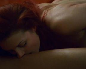 Salome Cox, Sandra Richefort nude - Trio dangereux (2001)