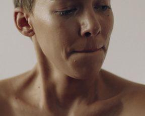 Alina Sueggeler naked - Frida Gold - Langsam (2016) Sexy Video