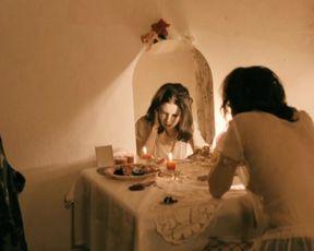Simona Stoicescu, Ioana Barbu nude - Daca Bobul nu Moare (2010)