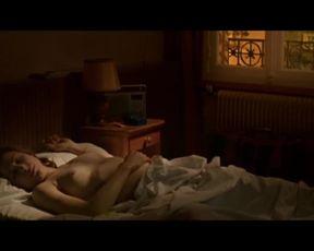 Julie Depardieu Nude - Les témoins (2007) slomo