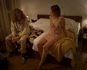 Josefine Almquist, Livia Millhagen - Buss till Italien (2005)