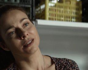 Ekaterina Guseva - Vhodya v dom oglyanis s01e01 (2019)