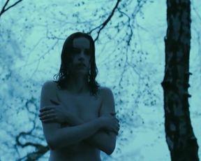 Nina Hoss nude – Das Herz Ist Ein Dunkler Wald (2007)