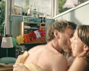 Carolin Kebekus nude - Schatz, nimm Du sie! (2017)