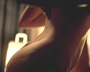 Jasmin Lord nude - Blutsschwestern - Jung, magisch, todlich (2013)