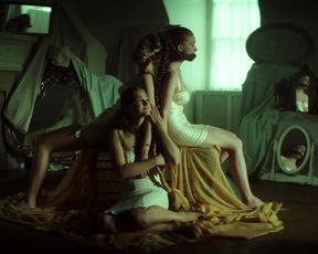 Madeline Brewer, Sarah Hay, Imogen Waterhouse nude - Braid (2018)
