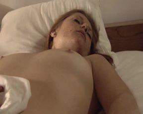Marie Le Cam nude - Le chien (2007)