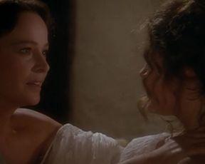 Laura Antonelli, Clelia Rondinella Nude - La Venexiana (1986)