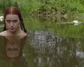 Daisy Ridley, Naomi Watts nude - Ophelia (2019)