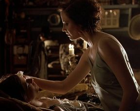 Maria Valverde, Eva Green  - Cracks (2009)