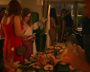 Coco Bolleboom, Phoebe Robinson, Gillian Jacobs nude - Ibiza (2018)