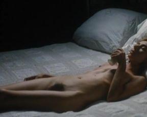 Sylvie Testud Nude - Mange, ceci est mon corps (2007)