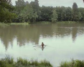 Anne Schramm Hot, Hannah Herzsprung Sexy from movie 'Der Geschmack von Apfelkernen'