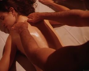 Elizabeth nackt Barondes Body Nude