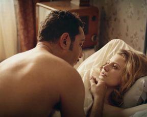 Clea Eden naked - Devoilees (2018)