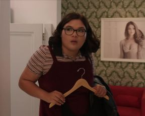 Michelle Veintimilla nude - The Baker and the Beauty (2020) (Season 1, Episode 2)