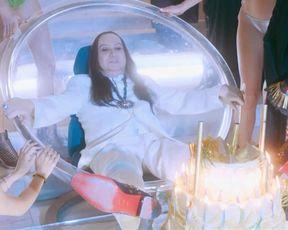 Arielle Dombasle nude, Zoe Le Ber, Laetitia Carrere, Caroline Chaspoul naked - Alien Crystal Palace (2018)