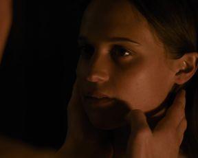 Alicia Vikander - Submergence (2018)
