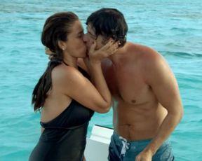 Giovanna Antonelli, Thalita Carauta, Fabiula Nascimento - S.O.S. Mulheres ao Mar 2 (2015) Naked scene of the film