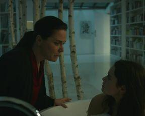 Rosabell Laurenti Sellers - Spides s01e07 (2020) Nude TV movie scene