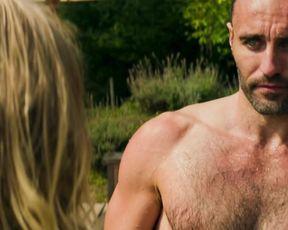 Julia Dietze - 5 Frauen (2016) Naked actress in a TV movie scene