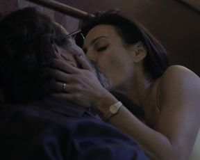 Alina Nastase, Eleonora Wexler - La Valla s01e03 (2020) celeb hot movie scene